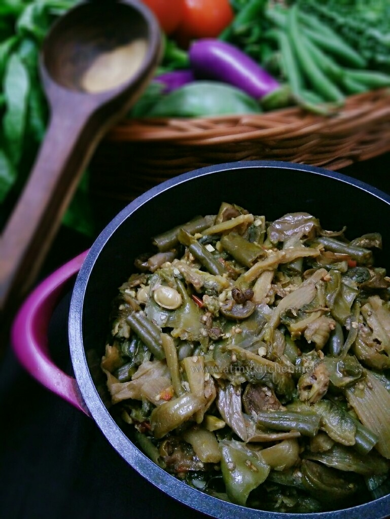 Rosep aon mixed boiled vegetables how to make naga style the naga cuisine uses mostly meat fishes fermented bamboo shoots fermented soya bean vegetables chillies and lots of herbs in their cooking forumfinder Choice Image
