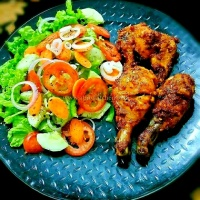 Peri Peri Chicken With Veggie Salad