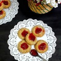 Thumbprint Cookies / Coconut Thumbprint Cookies / Coconut Jam Cookies