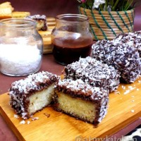 Eggless Lamingtons / Australian Lamingtons / Lamingtons