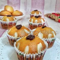 Eggless Vanilla Muffins / Basic Muffins Recipe / Bakery Style Mufffins